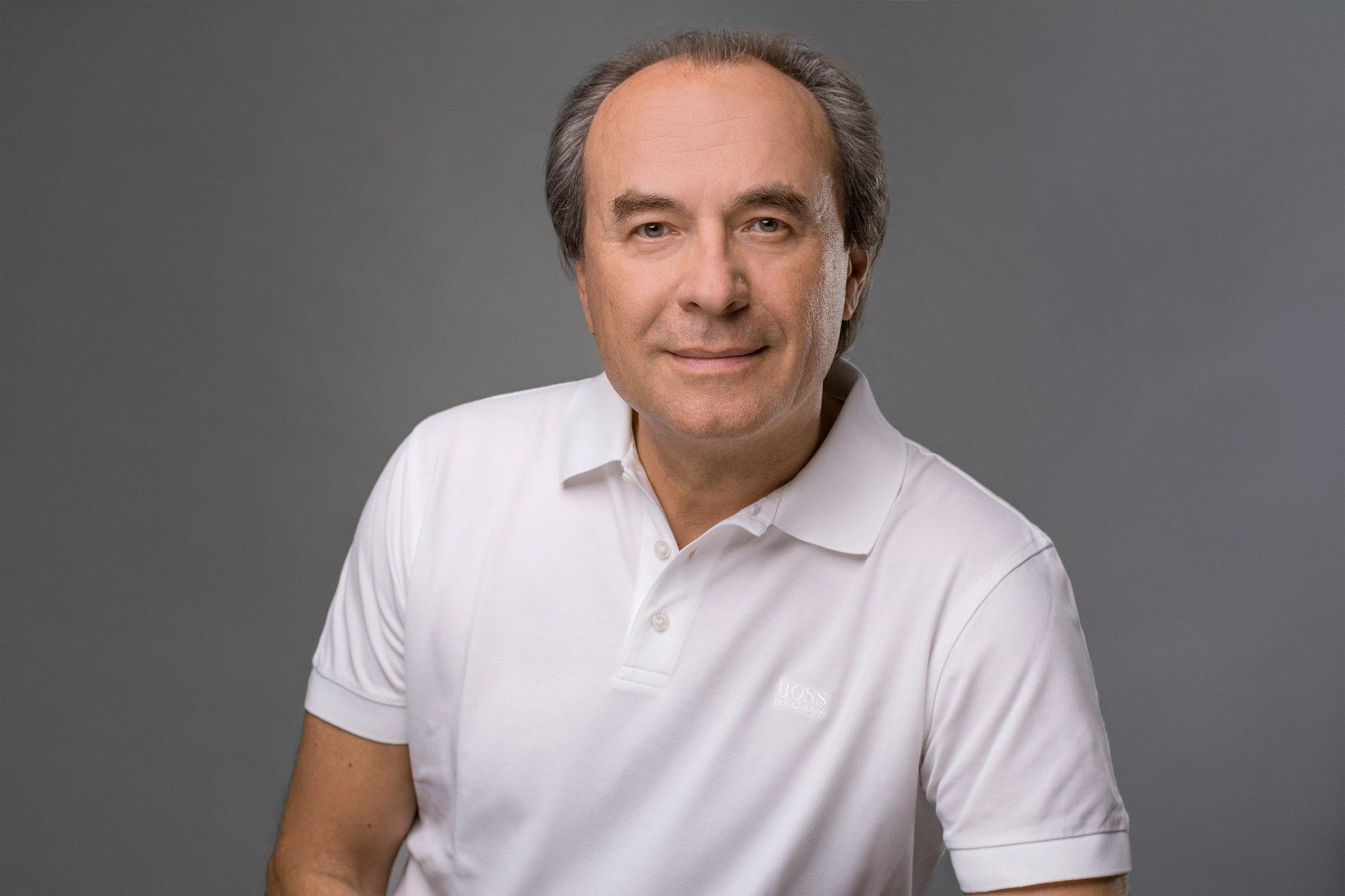 Dr. Andreas Binder